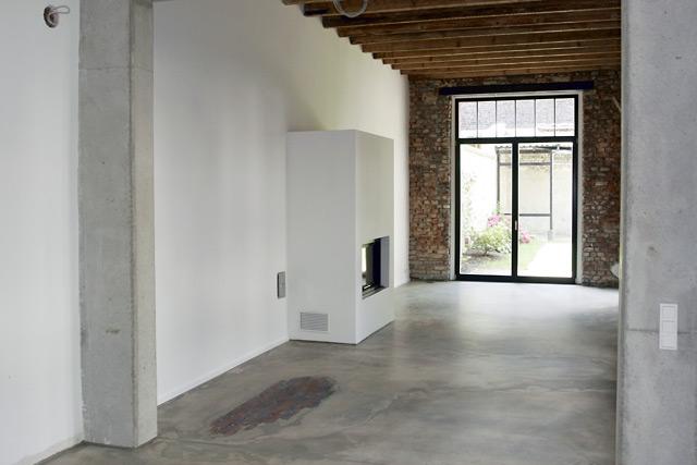kamin fr die wohnung excellent zu vermieten elegante im mit garage kamin und garten in bester. Black Bedroom Furniture Sets. Home Design Ideas
